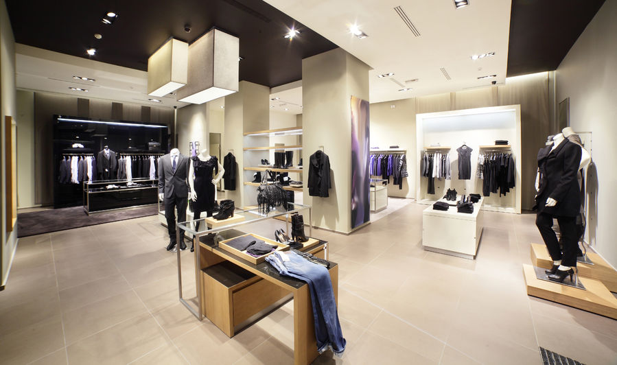 6226c42906e Lausanne   Boutique Vêtements Hommes à vendre